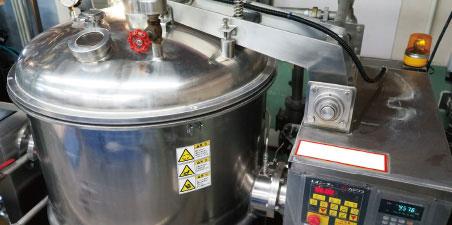 高粘度原料を連続的に処理する自信の設備