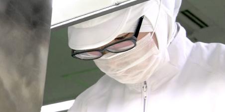 繰り返し行われる製品の品質検査は過酷な条件下での品質を確認しています